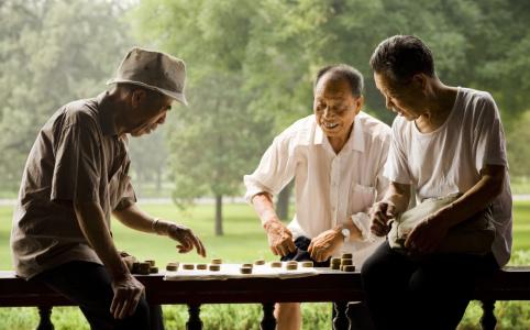 70年人均预期寿命增长一倍,中国为什么能?